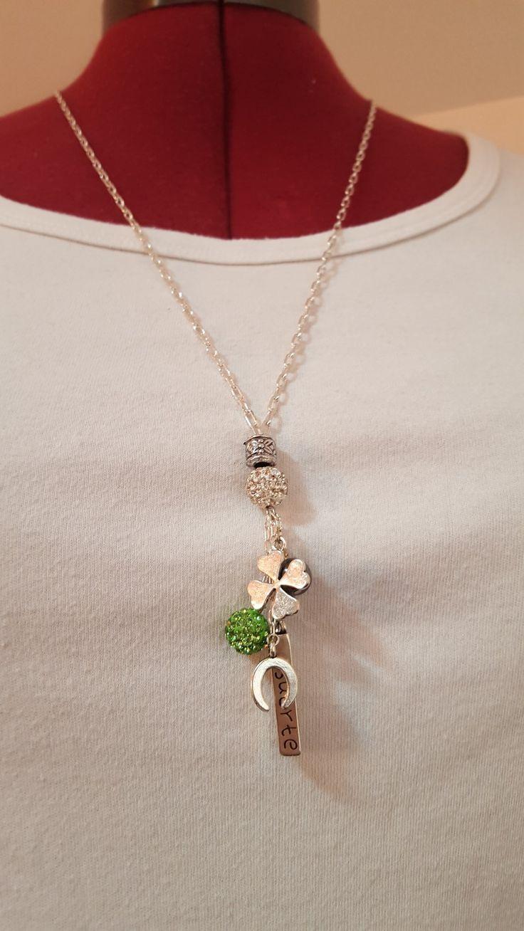 """Sautoir """" chance """" vert : Collier par dbk-creation"""