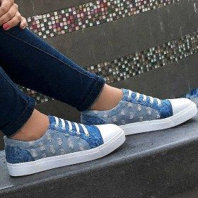 color:azul Material externo: sintetico material interni: textil tallaje: normal informacion adicional:Deportivos cocidos y pegados