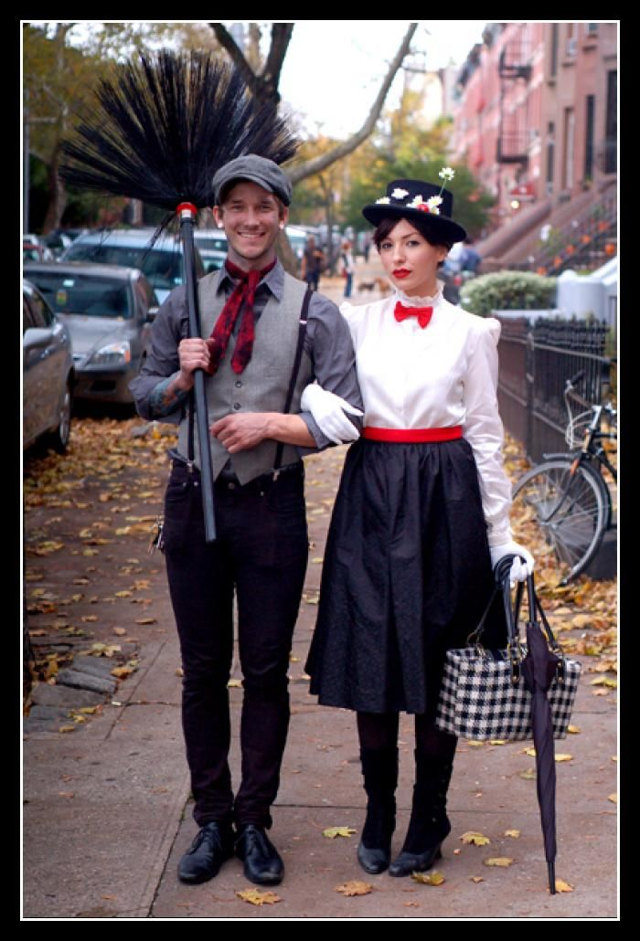 Mary Poppins running costume - black capri leggings, white tank, belt and bow-tie, and the all important hat (maybe a tiny hat).