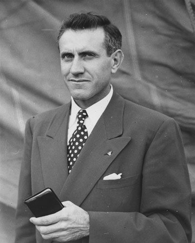 Louis #Zamperini in 1949 - Awesome Story --- juvenile delinquent, Olympic runner, WWII bombardier, record-breaker for days in an inflated raft, former Japanese POW, and ultimately, an amazing Christian who dedicated his life to God.