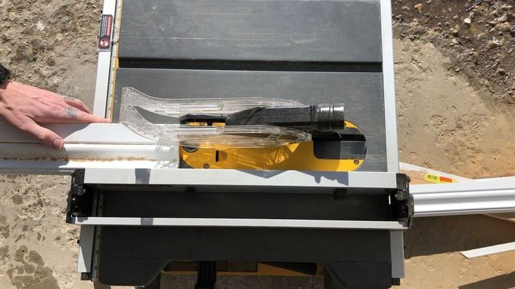 Some quick rips on the cordless Flexvolt table saw. Quick ones like this I dont normally use dust collection outside. I just take a blower and send it away after. . . . @dewalt_ca @dewalttough #mdflife #mdftrim #trim #tablesaw #cordless #flexvolt #contractor #construction #tools #battery #finishing #carpenter #yxe #saskatoon #saskatchewan #canada