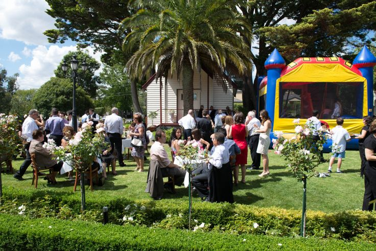 Guests entertaining on the Lawn at Rosebank