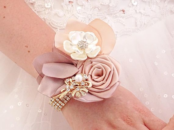 Champagne brooch corsage. Beige cream crystal jeweled bridesmaids, maid of honor, mother of the bride and groom acessory. Flower for guest The matching boutonniere you can find here, it costs 20$