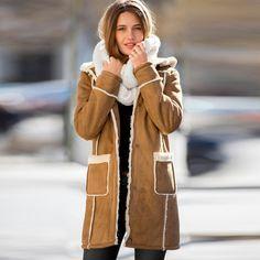 Quand le manteau Blancheporte en suédine prend des faux airs de peau retournée… Succès assuré !