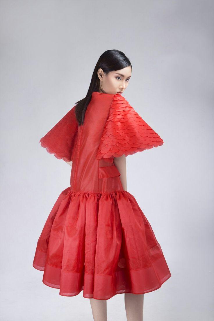 @soknan_cambodia #ss2017 Silk organza Dress with handcutting fish scale sleeve #soknancambodia #cambodia