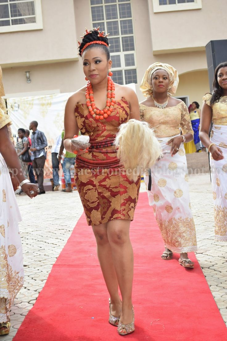 In a traditional Igbo Nigerian wedding ceremony, the ceremony begins with a special dance. The bride and her bridesmaids dance to welcome the guests. An Igbo bride isn't fully dressed without adorning some accessories which includes 'Jigida' (waist beads), 'Ihe Olu' (coral beads), 'Ihe Nti, Ihe Aka' (wrist chains, rings and earrings - could be made of beads or Gold plated), 'Akpa Aka' (clutch bag), 'Nchafu' (headtie) and 'Akpukpu-Ukwu' (foot-wear) that will match the overall ensemble.