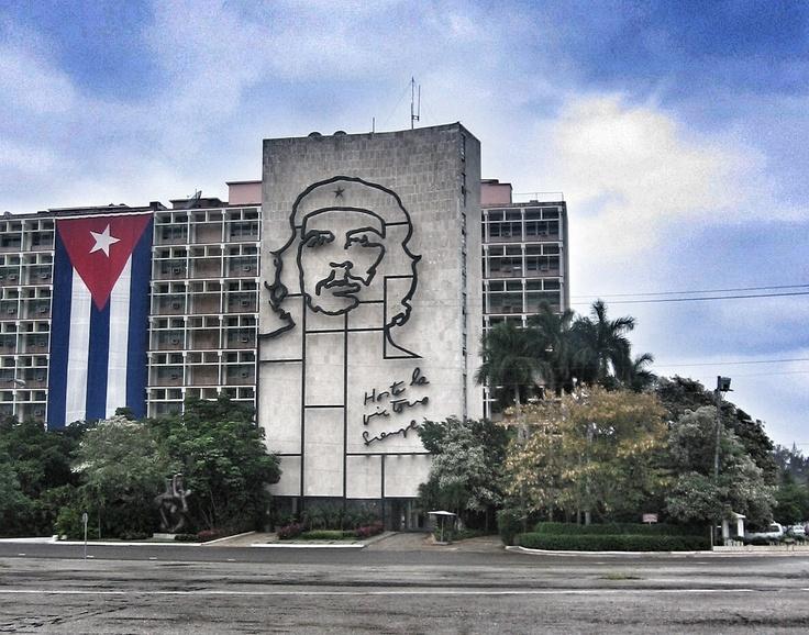 Leticia Pérez Sánchez: Plaza de la Revolución. La Habana (Cuba). Febrero 2008. Plano general a color. JPEG 1186 x 932 píxeles. 72 ppp.