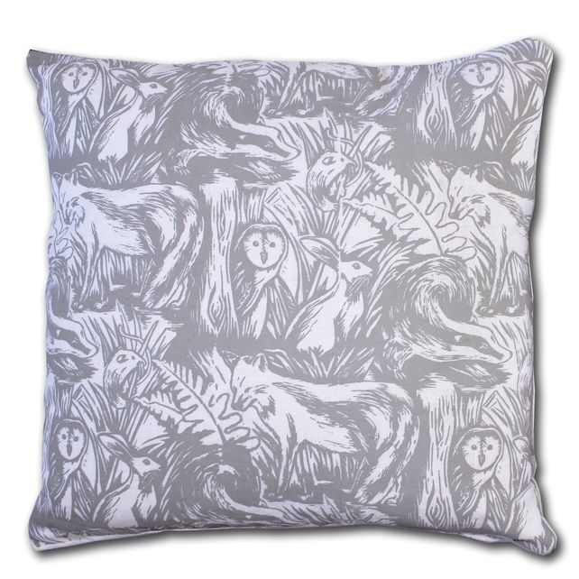 18 inch woodland cushion