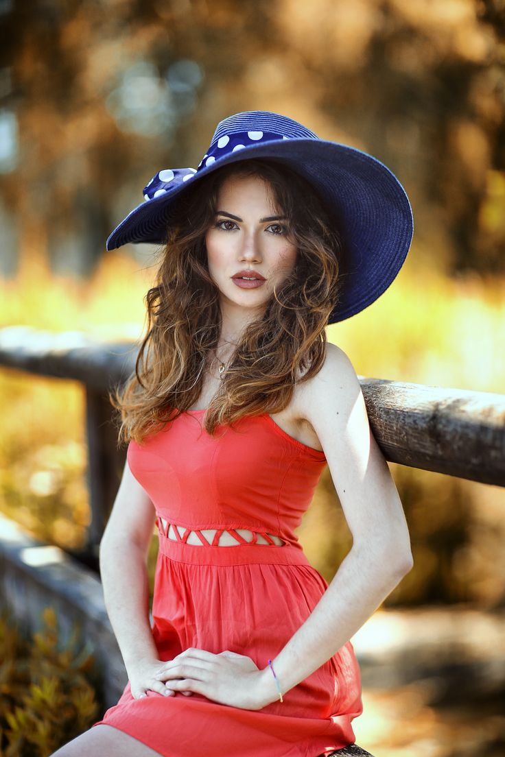 Ary  - null | Girl with hat, Gorgeous girls