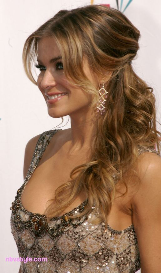 Top Carmen Electra Glamorous Hairstyles  http://www.ntvstyle.com/top-carmen-electra-glamorous-hairstyles/ NTV Style