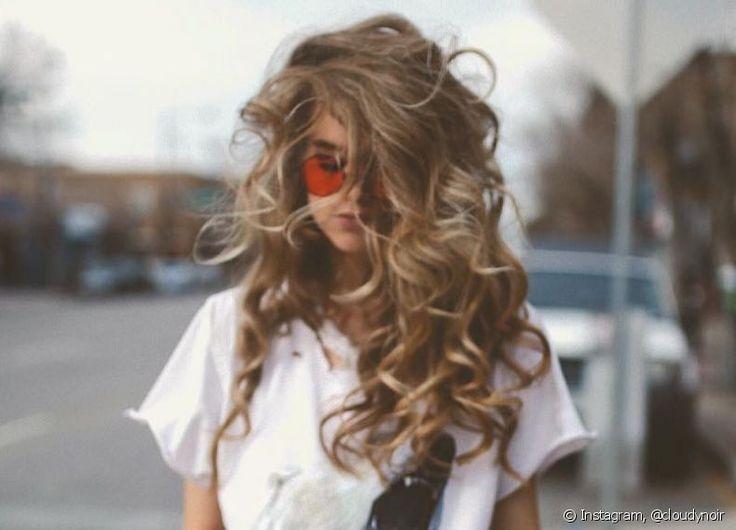 Invista na cor de cabelo loiro avelã para mudar o visual e fique por dentro das tendências!