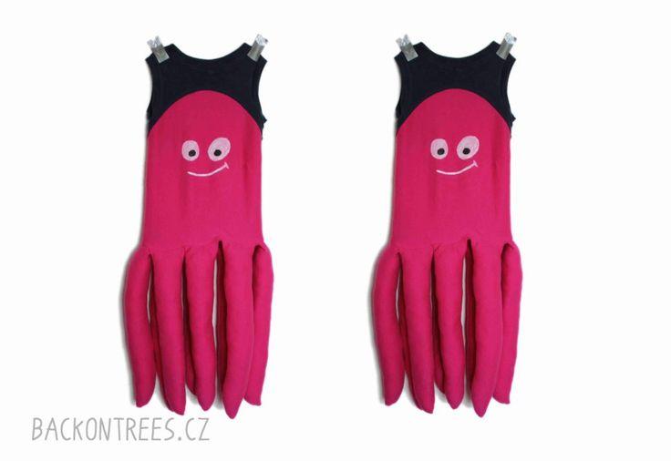 Jednoduchý návod na ušití roztomilého karnevalového kostýmu chobotnice. Návod obsahuje spoustu obrázků a kompletní postup.