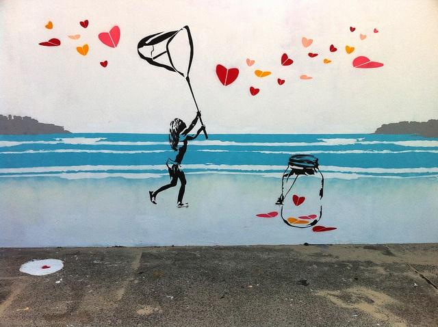 2026.#Bondi Promenade. The Love Catcher