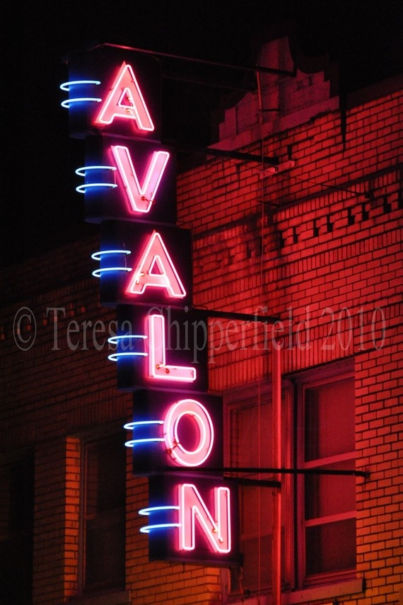 Avalon Theatre. Love Neon!