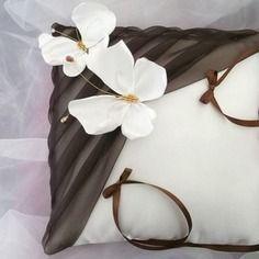 Coussin porte alliances papillon,mariage, blanc(ou ivoire)et chocolat