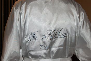Bridal bling robe! This would be a great gift idea for a bride or this concept could be adapted to make bridesmaid gifts!