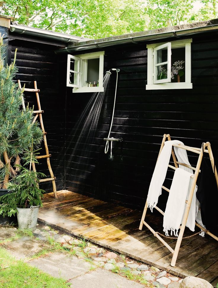 A SCANDINAVIAN SUMMER COTTAGE | THE STYLE FILES