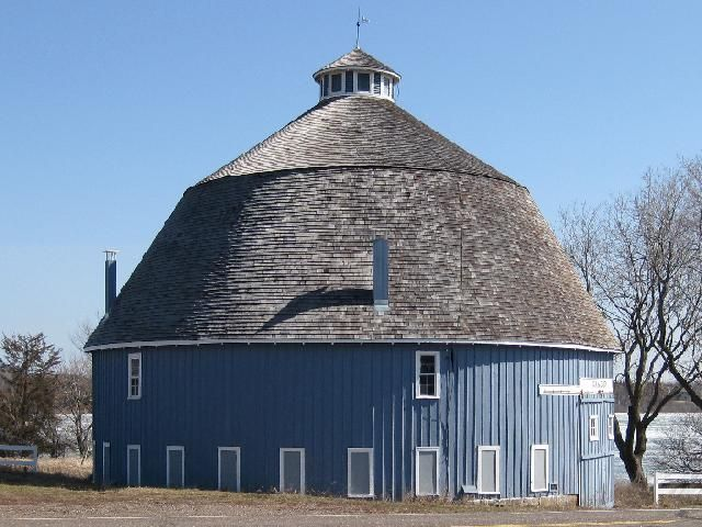 Round Blue Barn in Chisago Lakes Township in Chisago County, MN * 1915