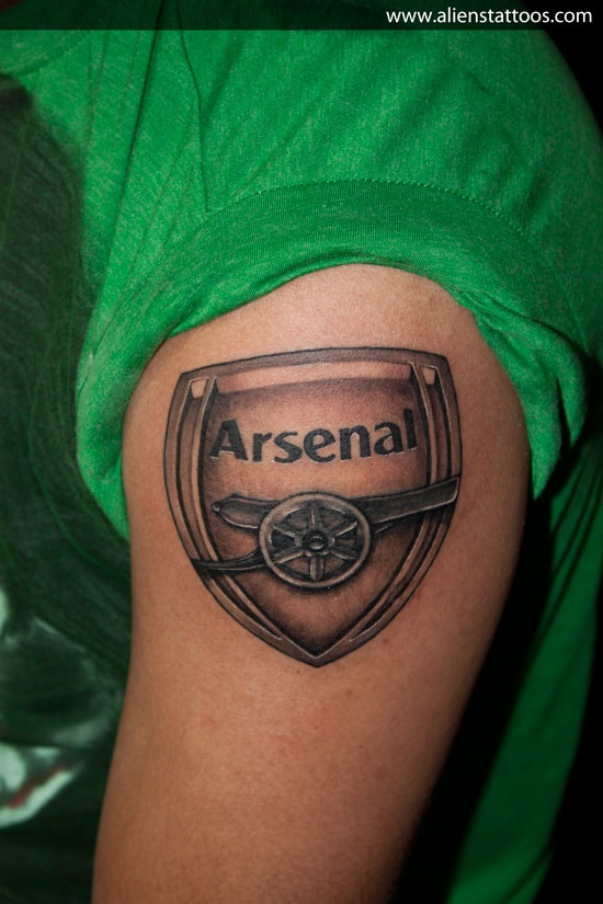 Really like the metallic look of this Arsenal tattoo