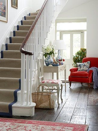 I need to remember the possibilities of an entryway, this one thinks outside the box and I like it.