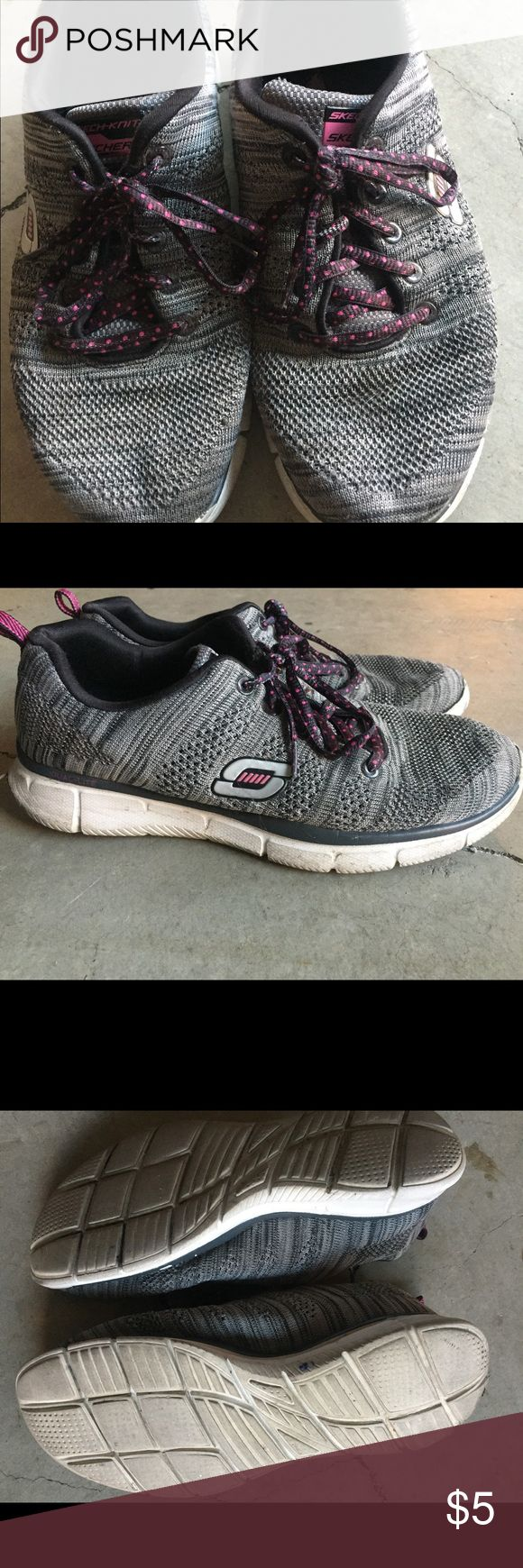 Women's Skechers Tennis Shoes Women's size 9. Memory foam insoles. Used but still wearable. Skechers Shoes Sneakers