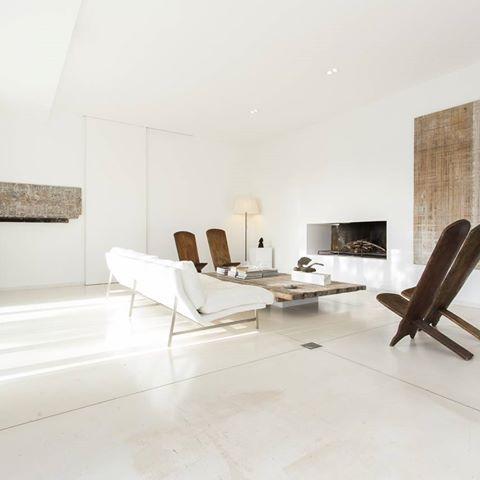Salones que combinan diseňo y elegancia. .  .  .  .  .  #house #homeadore #goals #gorgeoushome #dreamhome #dreamhouse #villa #home #stunninghome  #holidayhome #holidayhomes #casadevacaciones #aplaceapart #casasvacacionales #chalet #holidayvilla #holidayrental #alquilervacacional #property #luxuryproperty #luxurylife #Luxury #luxurylifestyle  #vivienda #rentals #casavacacional #lloguersvacacionals #villawithpool #finca #mallorcaholidayhome