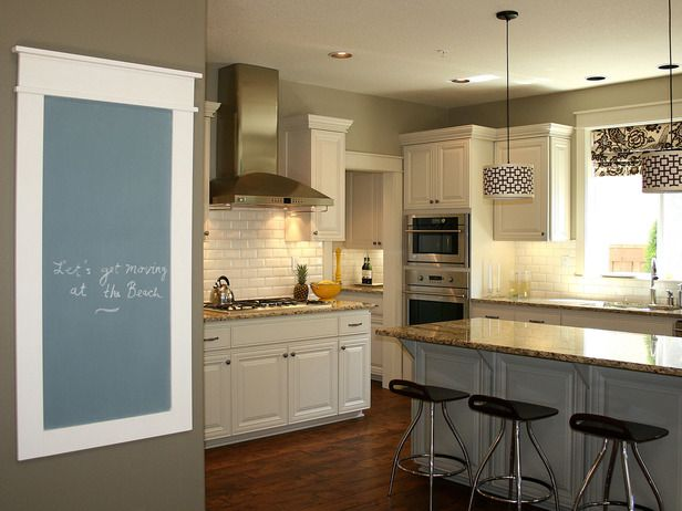 family message center our top chalkboard paint ideas on hgtv - Kitchen Chalkboard Ideas