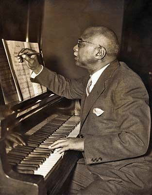 William Christopher Handy (November 16, 1873 – March 28, 1958) was a blues composer and musician. Description from jazzagemusic.blogspot.com. I searched for this on bing.com/images