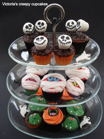 halloween cupcake decoration idea with marshmallow