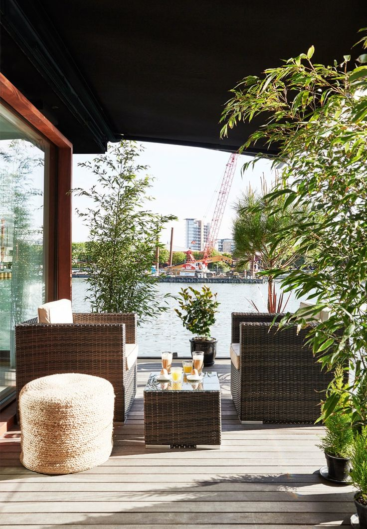 Frodig og hyggelig terrasse