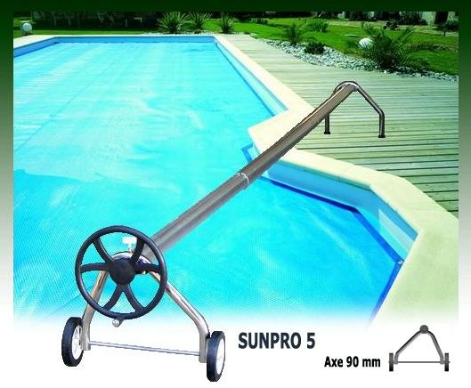 Les 25 meilleures id es de la cat gorie b che de piscine for Fabrication enrouleur bache piscine