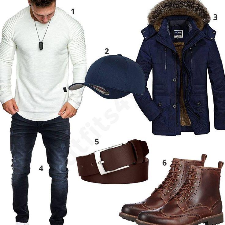 Männer Outfit mit weißem Amaci&Sons Pullover, blauer Flexfit Cap, Winterparka mit Mütze, Merish Stretch Jeans, Ledergürtel und Clarks Boots.