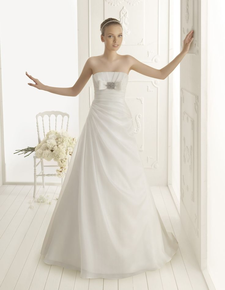A-line Strapless Court Train Woth Satin Weddign Dress with Beaded Motif(WD0644)