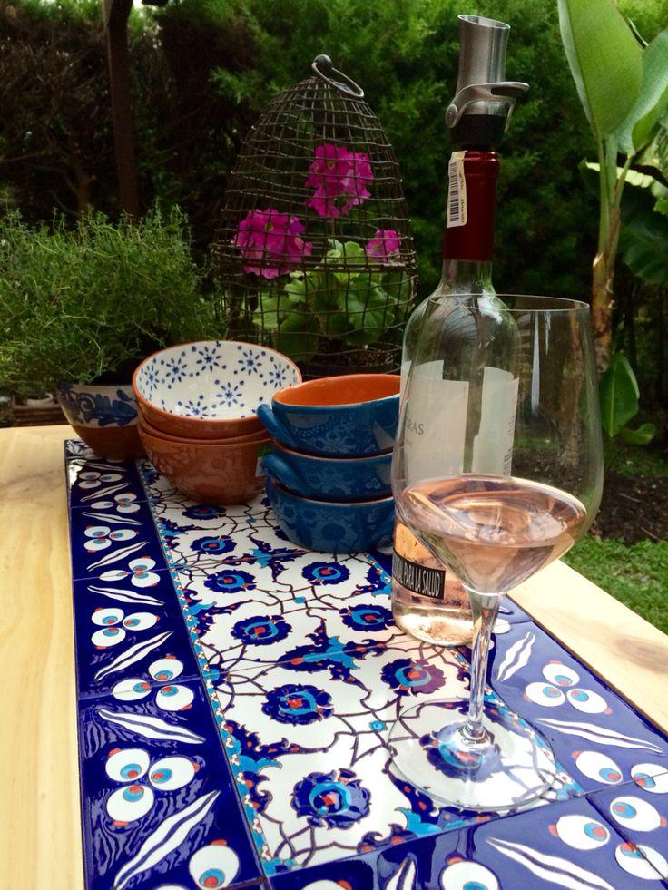 Mesa isla en madera y azulejos. www.labaldoseria.com