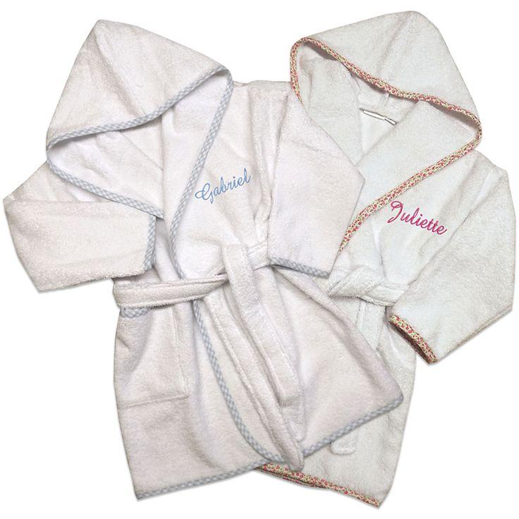 Peignoir brodé prénom bébé avec biais vichy bleu ou liberty rose.