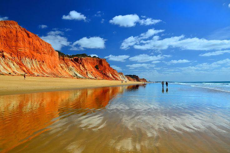 Nur rund 93.000 Quadratkilometer groß ist Portugal – doch die Natur hat sich auf dem kleinen Raum einiges einfallen lassen. 19 atemberaubende Orte.