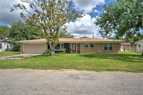 2739 Morrow Dr Corpus Christi Tx 78410 Texas Homes Pinterest