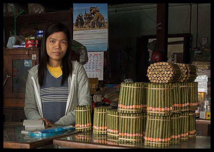 The cheroot seller - Monywa, Sagaing- Myanmar