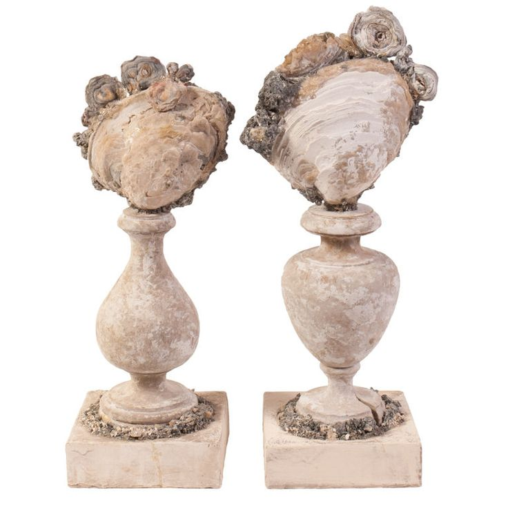 Set of Two Shell Garnitures