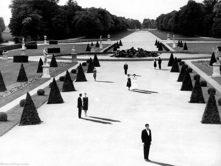 L'Année dernière à Marienbad (Last year in Marienbad),1961 French film directed by Alain Resnais from a screenplay by Alain Robbe-Grillet