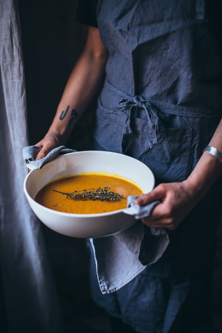 our food stories: comforting pumpkin-coconut soup with brown rice, sesame & thyme for villeroy & boch