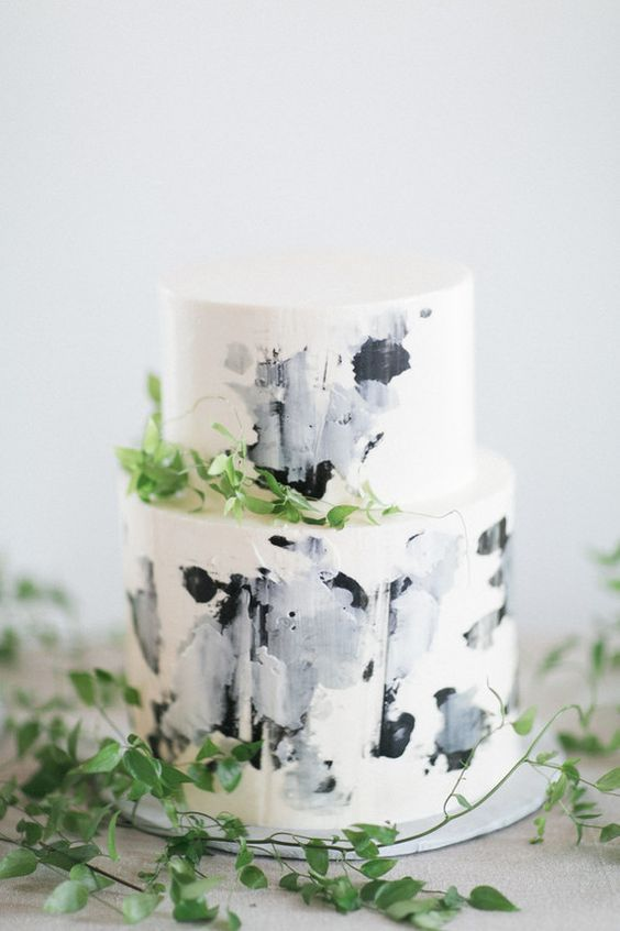 Wedding Cake | Brushstrokes | Greenery | Blue and Grey Tones | Bridal Style Inspiration | HOORAY! Mag