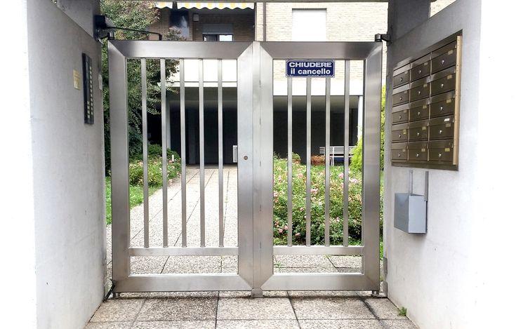 Installazione dicancelletti pedonali in ferro battuto e in acciaio inox su misura. Il cancelletto pedonale è l'ingresso pedonale della Vostra abitazione.