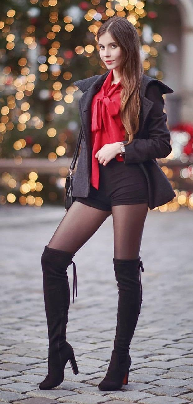 women-in-boots-and-black-pantyhose