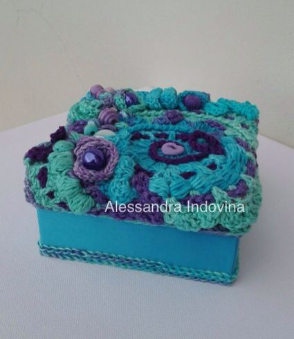 Freeform crochet - Small box