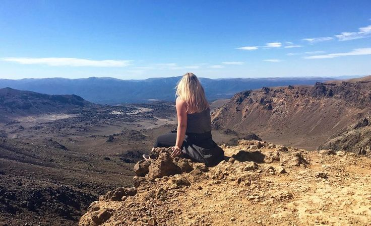Just casually enjoying the view on The Tongariro Crossing ⛰⠀⠀ •••••••••••••⠀⠀