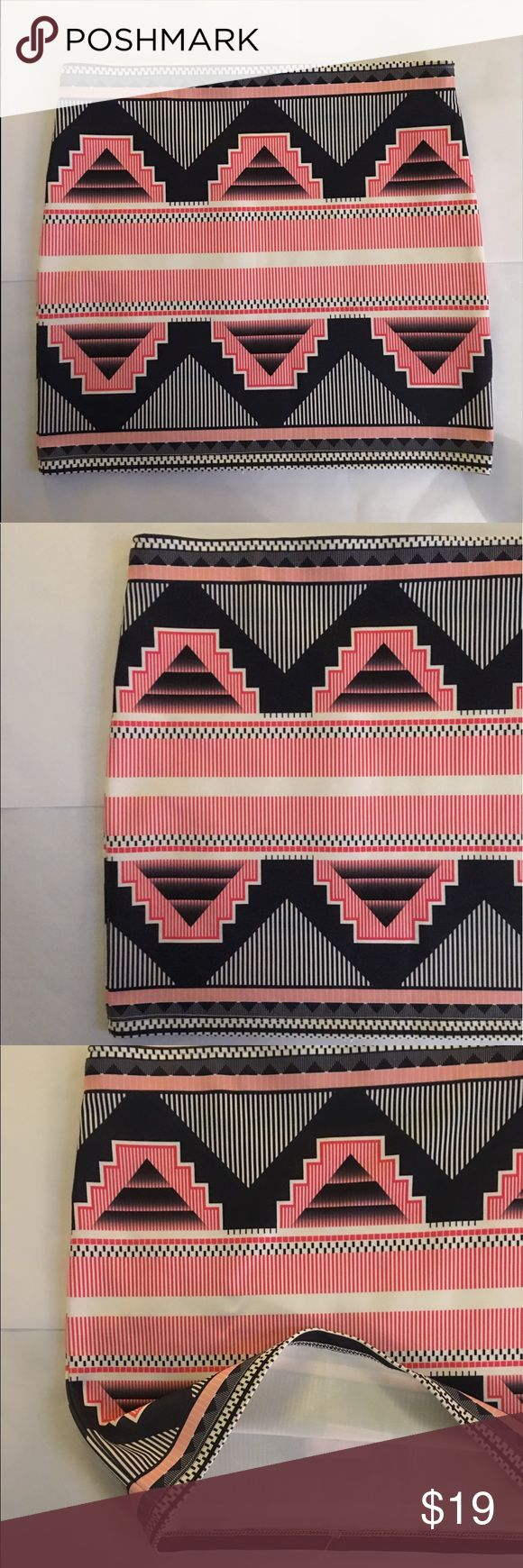 """ZARA TRAFALUC RWB Geometric Aztec Print Skirt SZM ZARA TRAFALUC Red, white & blue Geometric Aztec Print Skirt SZM  * White, red and blue  * Geometric patterns   * 14"""" length x 14"""" width  * Brand new without tags * Made in Portugal   I am 🙊 ⭐️⭐️⭐️⭐️⭐️ 5-Star rated plus Ship in 48hrs or less 📦! Zara Skirts Mini"""