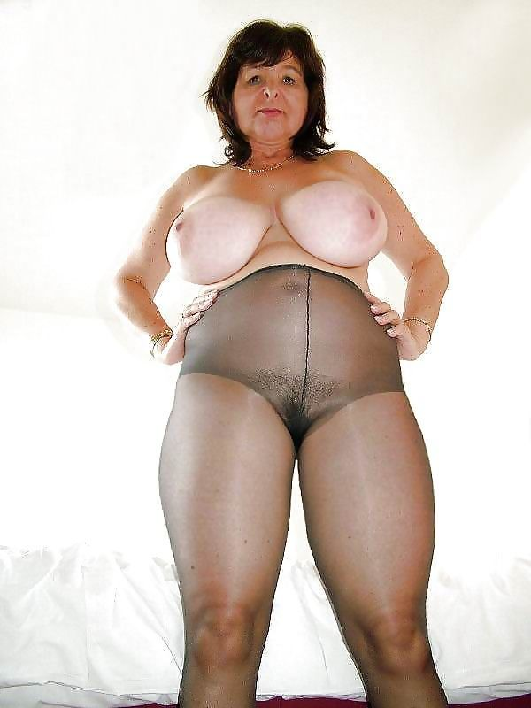 worldofweapons.tk is a free mature TGP featuring a lot of Tights, Pantyhose, Leggings, Pantyhose, Yoga mature porn galleries.