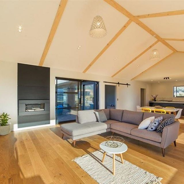 THE FALCON'S NEST Residential Project by #HAROFlooring Year: 2016 Area: 95m2 Location: #JacksPoint, #Queenstown Credit: @deavollconstruction #TimberFlooring Plank 1-Strip #OakSauvage; Brand quality – Made in Germany. #Timber from sustainably managed forests – 100%#PEFCcertified; #hardwearing, #easycare surface finishes with #naturaDur #naturaloil finish. Easy to install with #TopConnect, also compatible with#underfloorheating. Can be sanded several times.#Warranty up to 30 years. #commercial…