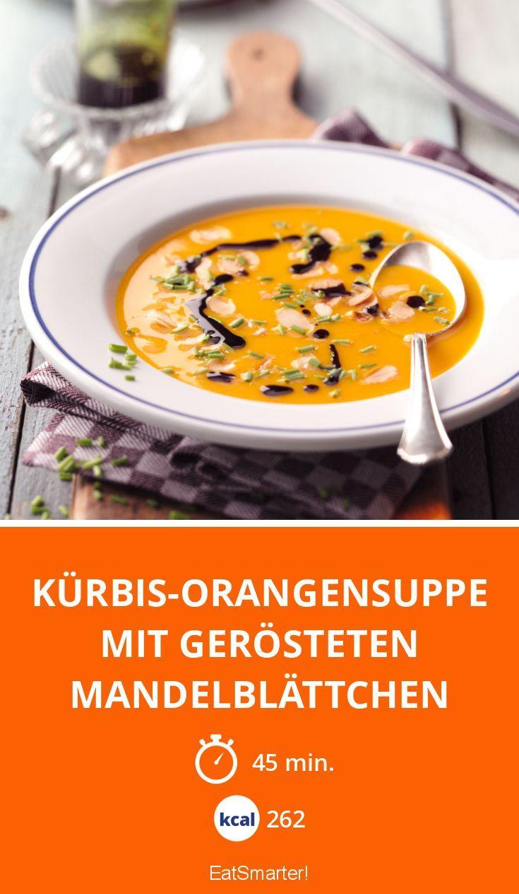Kürbis-Suppe: Diese Herbstsuppe ist mit Kürbis, Orangen und Mandelblättchen | eatsmarter.de